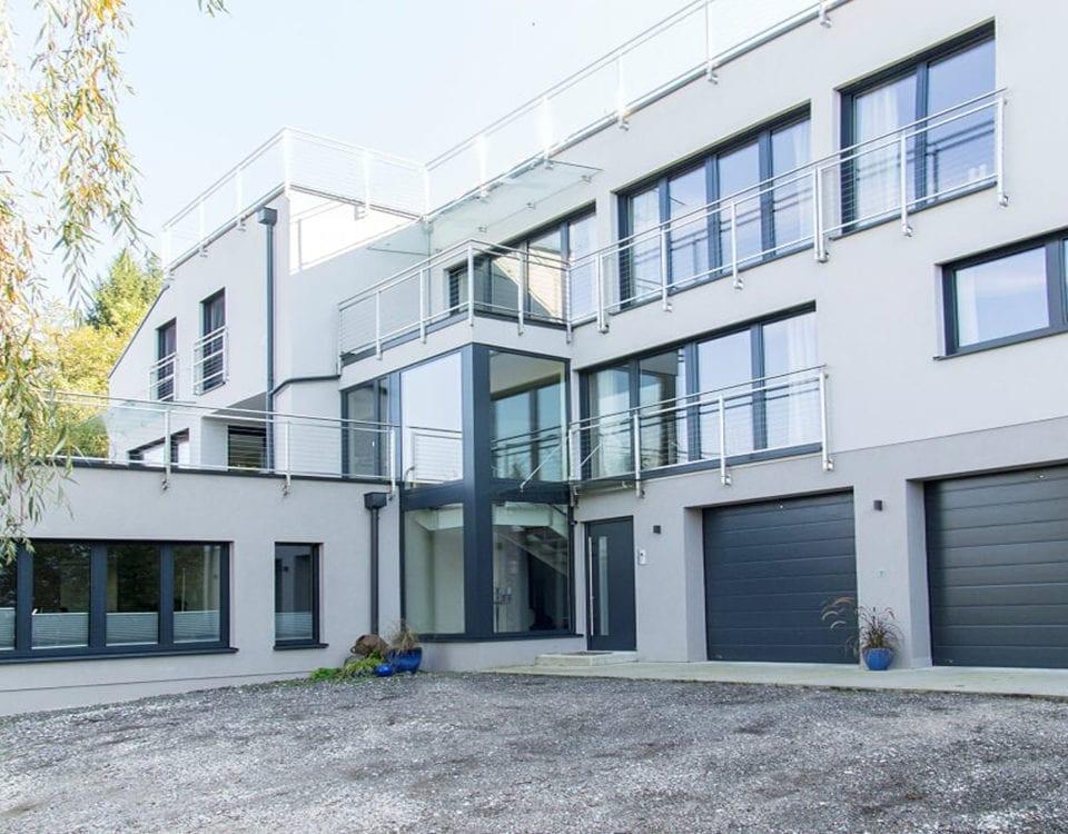 Wohn-Geschaeftshaus-Faakersee